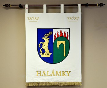 Embroidered banner of arms in a large version