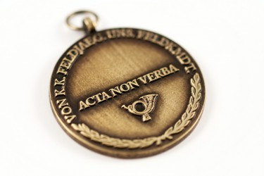 Custom-made medals with original graphic design