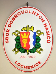 Enamel oval sign with the firefighter emblem (SH ČMS) and the town coat of arms (Lochenice)
