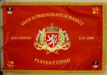 Printed banner of the Volunteer Fire Brigade (SDH) Pletený Újezd, front side