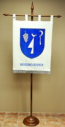 Embroidered banner of arms made for Rozdrojovice, large version