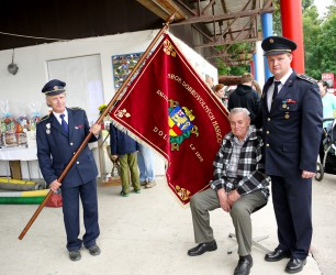 Introducing the banner of the Volunteer Fire Brigade (SDH) Dolní Libina